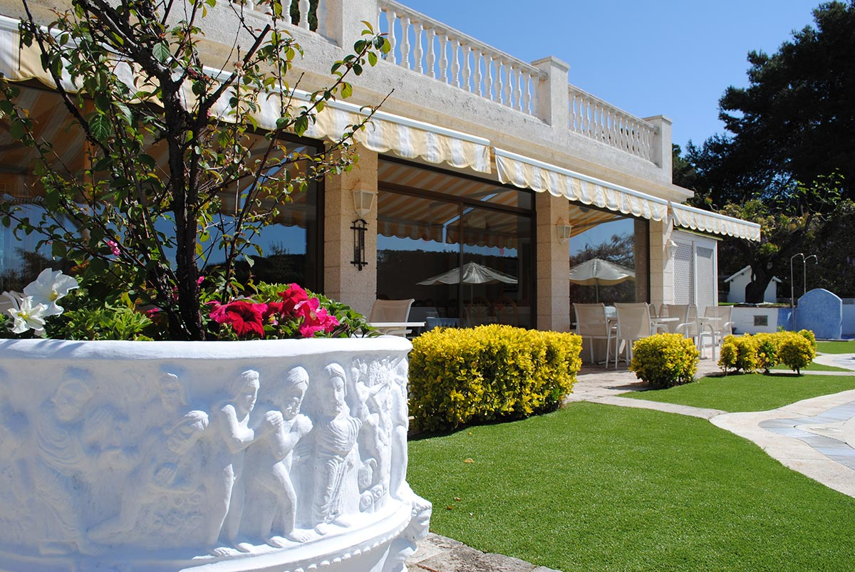 Bonsol Hotel - Jardin - Piscina - Habitación Doble- Habitación Triple - Habitación Doble con Balcón - Habitación Triple con Terraza - Lloret - Costa Brava